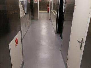 Pavimento in resina della cucina di una nave - Color flooring
