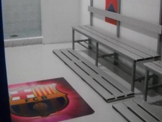 Pavimento in resina di uno spogliatoio- colorflooring